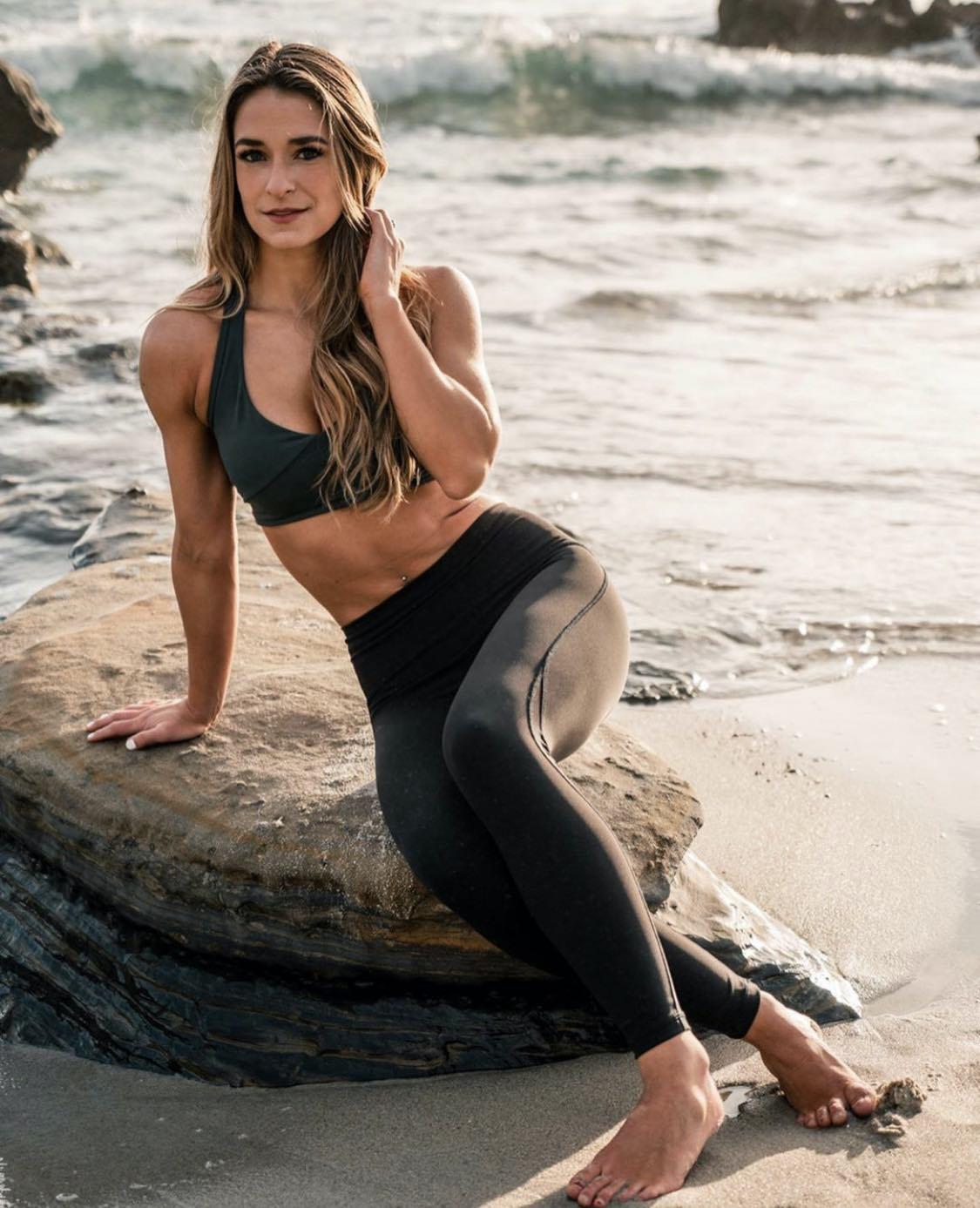 Sarah - Yoga Academy