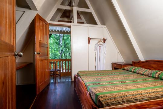 Private Room in a Cabina