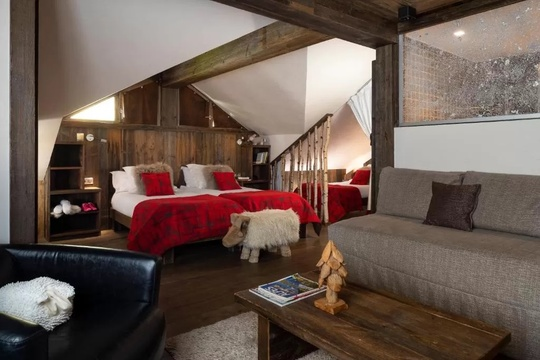 "4 Person Package - ""The Après Hotel"""