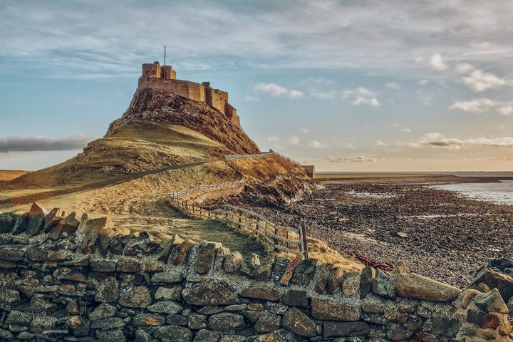 Rides along the coast to Lindisfarne