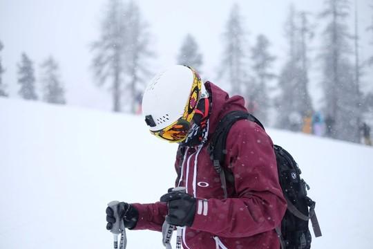 Mountain adventure aux Menuires : journée de ski rando et nuit en refuge inclus