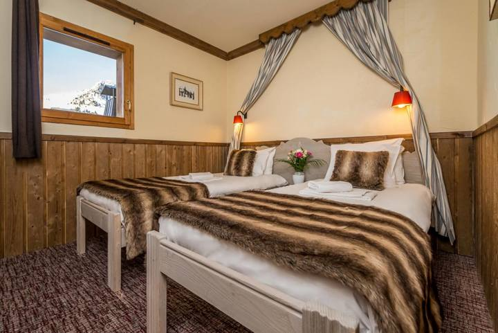 Chambre-twin-Chalet-Altitude-1600x1068 (1)