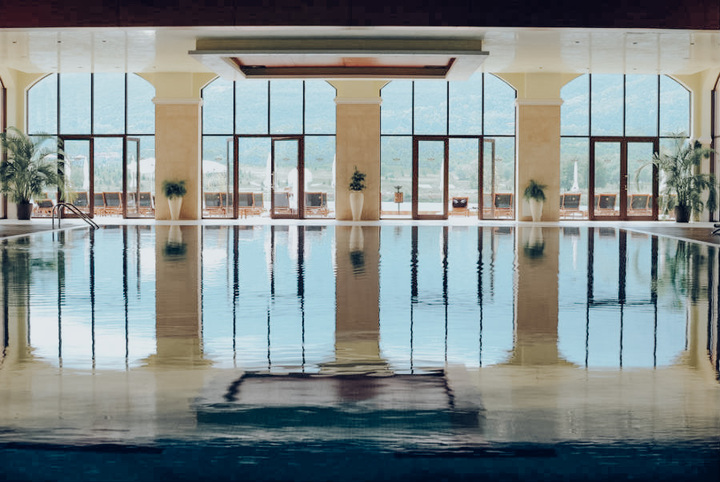 piscina-interior-pool-01_tcm55-53150