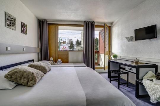 Mainstage Hotel | 4 Person Premium Balcony Room