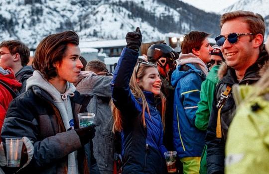 Grand Opening 2 Alpes @La Grotte du Yéti