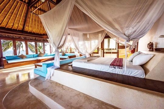 Couple in Seaside Villa (private)