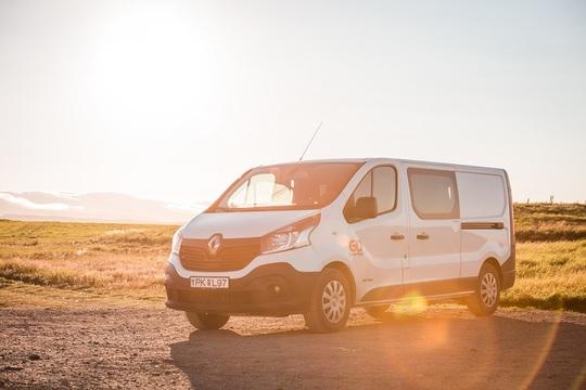 Medium Automatic Campervan (Max 3 person)