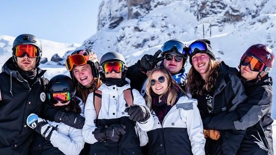 Passe le nouvel an au ski avec tes potes à Risoul 🎉✨
