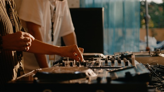 DJ TECHNIQUE ELEVATOR
