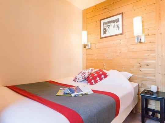 6 Person | 1 Bedroom + 1 Sleeping Alcove