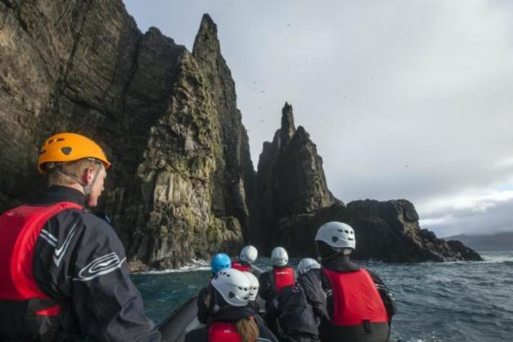 Speedboat Ride & Cave Swimming