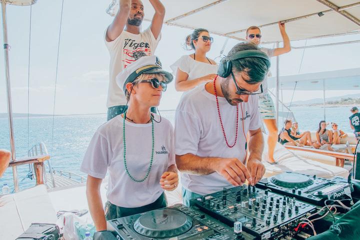 DJ houseplant