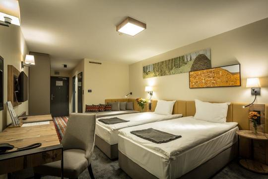 Double Room (4 Nights)