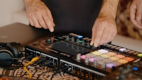 PIONEER DJ EXPERTS