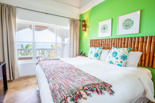 Double En-Suite Bedroom in Shared Lagoon Apartment (prices inc taxes)