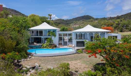 Villa Caye Blanche Package