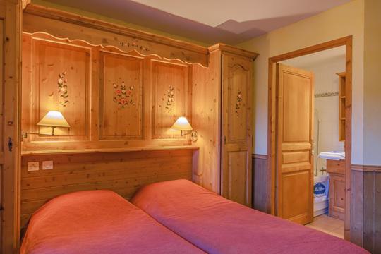 8 Person | 3 Bedrooms & Mezzanine/Cabin