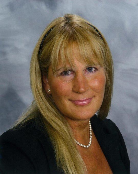 Dr Irene Davis