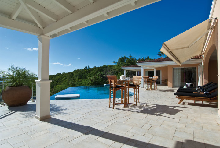 Villa Sea Vous Play Package