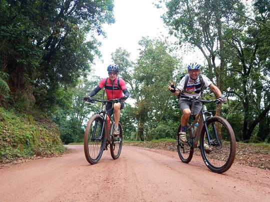 10 days cycling adventure to Uganda