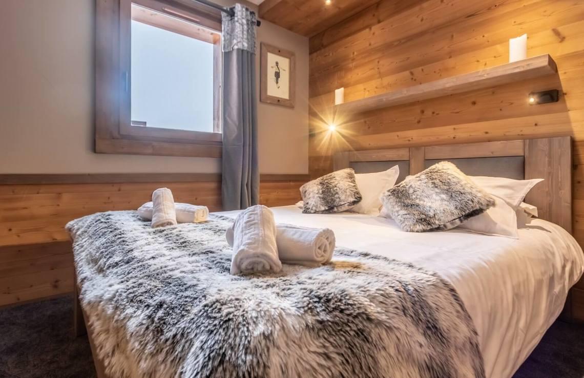Chambre-double-Chalet-Altitude-VT-1-1600x1036