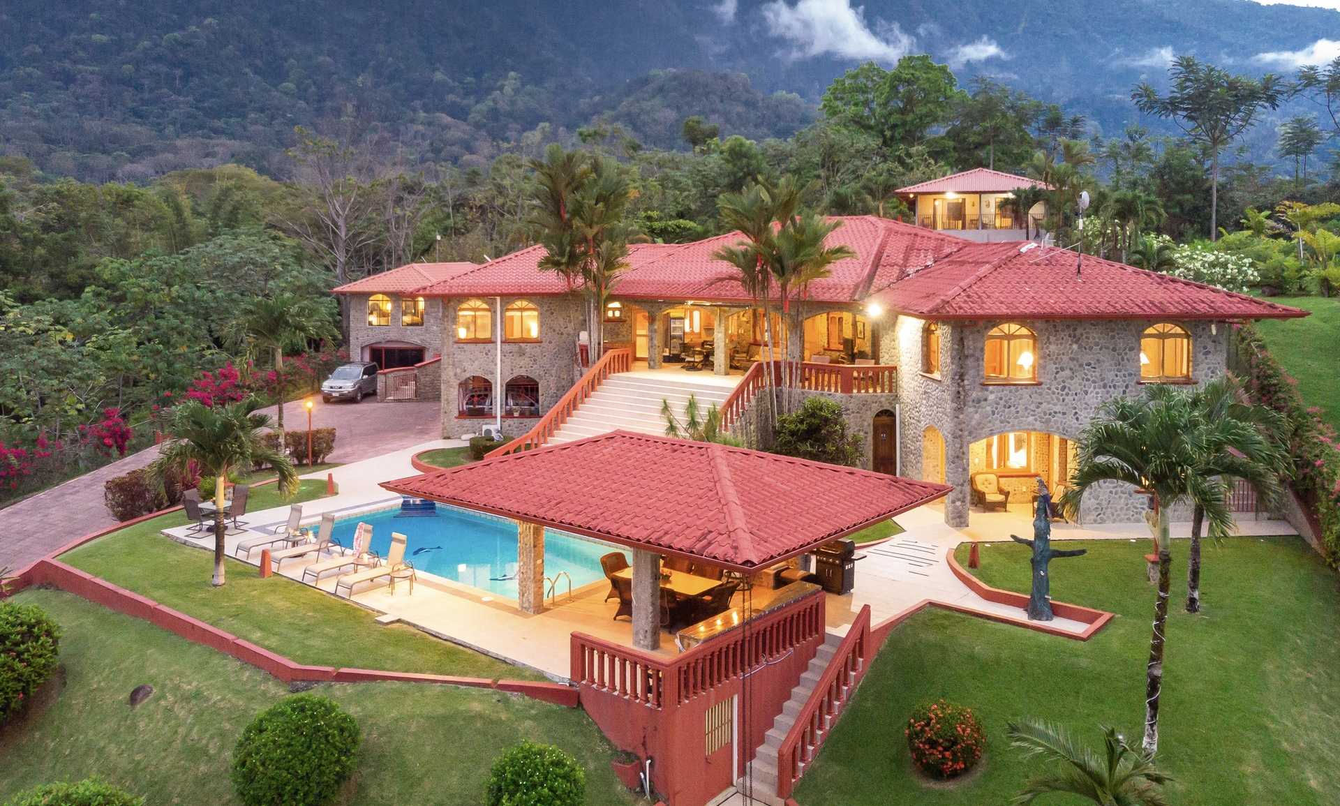 Topanga Villa – Ojochal, Costa Rica